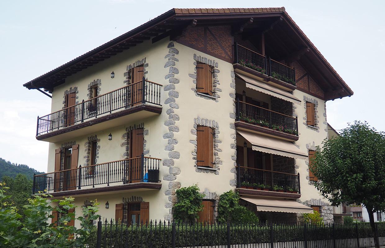 Rehabilitaci n de 3 viviendas en bera oteiza arquitectos - Rehabilitacion de casas ...